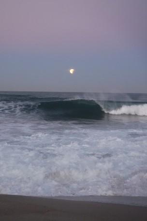 Super Moon Crescent & Wave