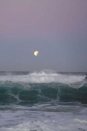 Super Moon & Glowing Wave
